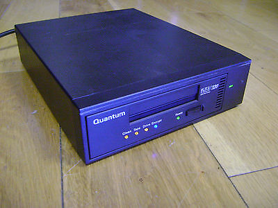 QUANTUM CD320UE DAT320 USB 2.0 Tape Backup Drive