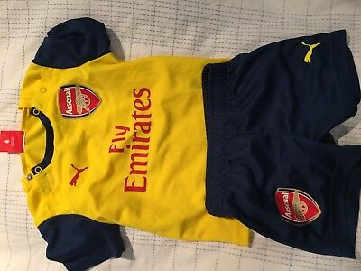 Arsenal Child kit - by Puma 6- 9 months