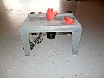 Black & Decker 1 HP Router with table