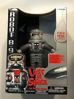 Lost in Space Classic Robot B-9 action figure Trendmasters 1998 Brand New Sealed