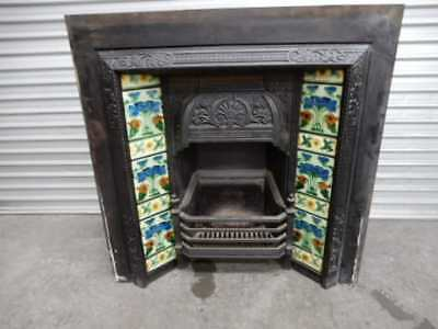 FIREPLACE INNER – PERIOD CAST IRON INNER WITH DECORATIVE FEATURE TILES, 66b