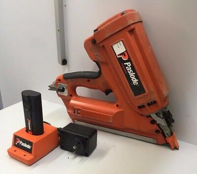 Paslode IMCT Cordless Utility Framing Nailer 900420 W/ Charger & Battery