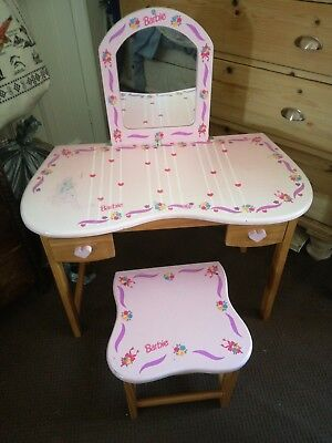 Barbie dressing table