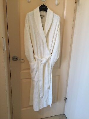 This is the new Country Road Bath Robe you need! Free Shipping