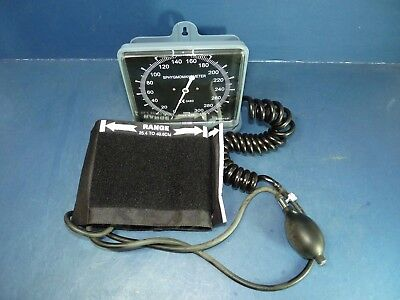 Sphygmomanometer Blood Pressure Armband Gauge Pump