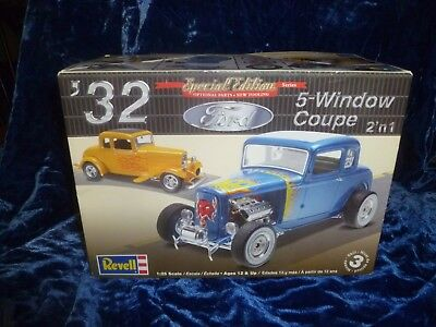 Revell 1:25 scale '32 Ford 5 Window Coupe 2-n-1 Model Kit 2009