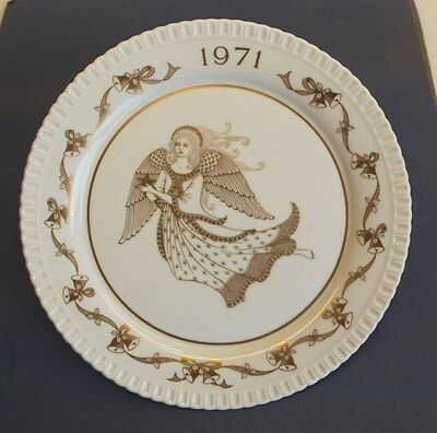 """SPODE Bone China Ltd edition CHRISTMAS PLATE 1971 """"Ding Dong! Merrily On High!"""