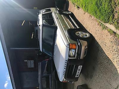 Land Rover Discovery 2.5Td5 GS auto breaking