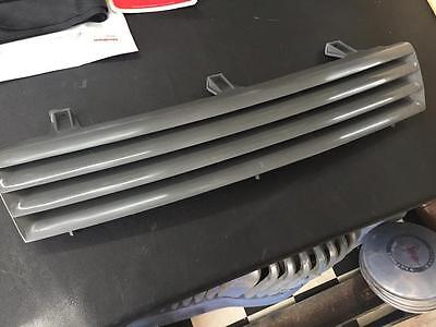 New Vn Commodore Grille Suit 1988-91