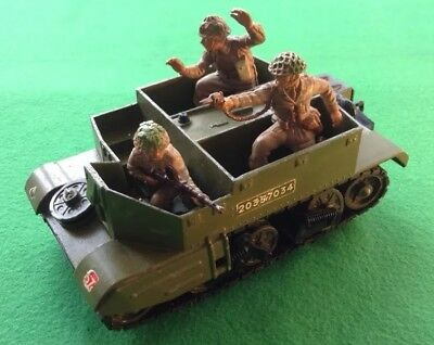 Dinky Bren Gun Carrier And Britains Deetail Crew 1:32 Scale