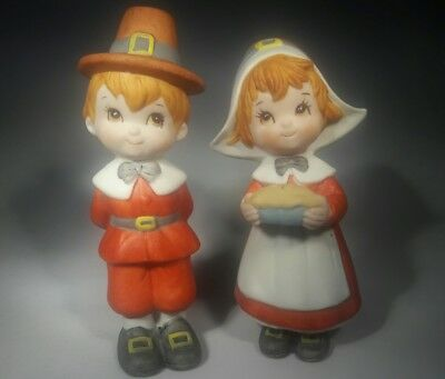 Lefton Pair Adorable Porcelain Thanksgiving Pilgrim Man Woman Figurines 04590