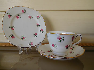 "Colclough ""Rosebud"" Trio 7433 Made In England 1950s"