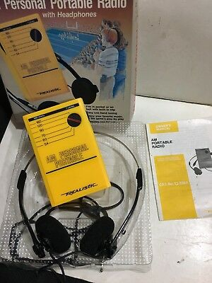 VINTAGE REALISTIC Personal RADIO AM(MW) BAND WITH HEADPHONE 1960s-1980s+BOX