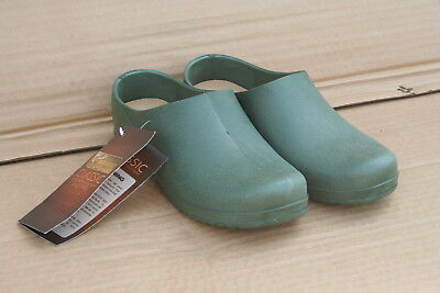 Wholesale stock job lot Classic all-weather garden clogs 4 sizes x14 pairs