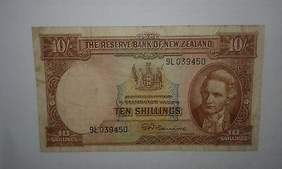 New Zealand Banknote 10 Shillings 1967, See images!