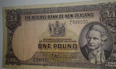 New Zealand Banknote One Pound 1967, See images!