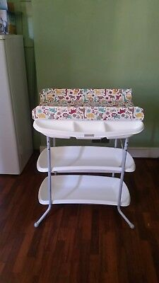 Mama`s and Papa`s Baby bath and changing station