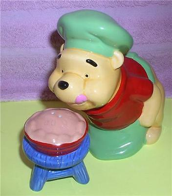 Chef Winnie the Pooh with pie Salt and Pepper Disney
