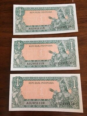 i45 Indonesia 1  Rupiah 1961 P-79A Consecutive 3 Crisp Banknotes Currency Money