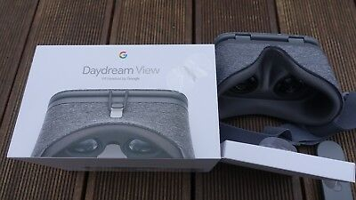 Google Daydream View VR Virtual Reality Headset - Slate
