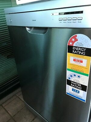 Samsung DS9500SS Freestanding Dishwasher Stainless Steel 1 year old