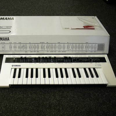 YAMAHA REFACE CS Synth - Like New - Boards of Canada Sound - LOWEST PRICE!!