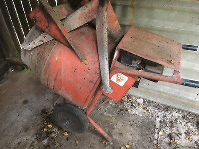 Belle minimix 150 Cement Mixer with Briggs Petrol Engine