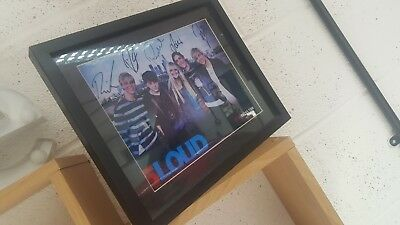 R5 signed Photo in frame
