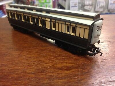 Hornby Thomas Old Slow Coach And Sodor Mail Coach
