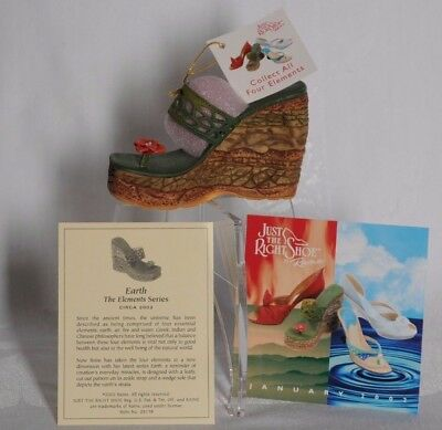 1 NEW EARTH Just the Right Shoe Raine #25178 in box from 2002