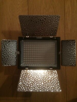 Yongnuo Digital LED Light With Filters