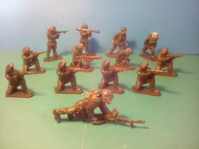 LONE STAR PARATROOPERS+RED BERETS , x13.SOLDIERS . c1960's.lot.wed1. *U.K..ONLY.