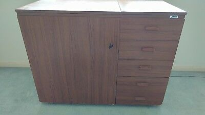 sewing cabinet  -Horn