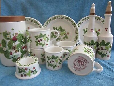 PORTMEIRION Summer Strawberries CANISTER, BOTTLES, EGG CUP, 3 SIDE PLATE, 5 CUPS