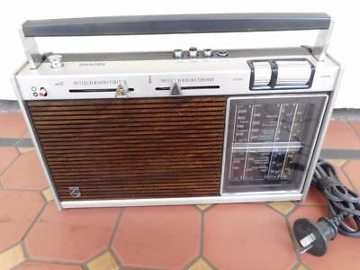 Vintage Philips Shortwave Radio Player 240V/Batttery Operated Portable Music