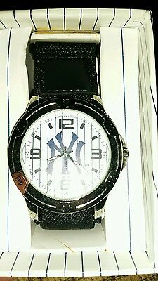 MENS  NEW YORK YANKEES WATCH, genuine MLB PRODUCT,BNWT,orig from USA IN ORIG BOX