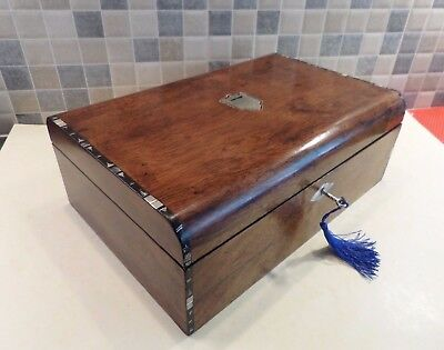 VICTORIAN 19thC WALNUT BOX WITH DECORATIVE INLAID DETAIL+ INSCRIPTION- LOCK& KEY