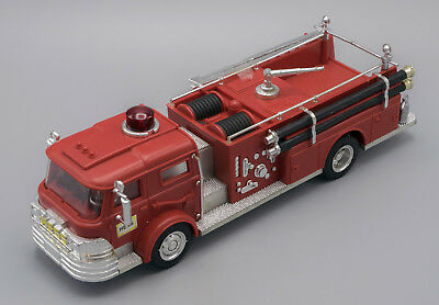 1970 Hess Fire Truck with box inserts and battery card.Light and motor work.