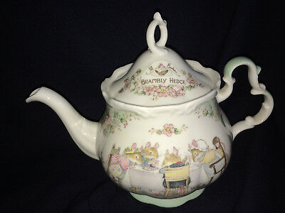 Royal Doulton Brambly Hedge 1.5 Pint Full Size Teapot Tea Service 1985