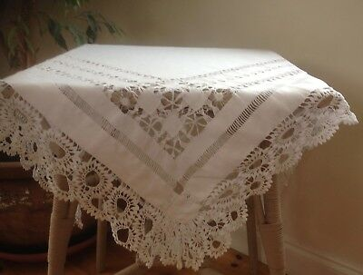 Pretty Lace Edged Vintage Lace Tablecloth