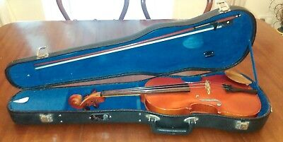 Stentor Student Violin 4/4 Size - Hard Case - Bow