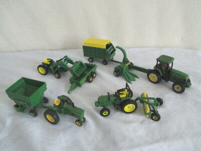 JOHN DEERE Tractors & Implements *1/64 Farm Toy *Forage Wagon *Rake