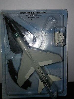 avion de chasse metal Vought F-8 crusader neuf sous blister