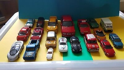 19 Toy Cars Joblot