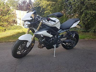 Triumph Street Triple 675 2013 '63 4300 miles only, perfect condition, 1 owner