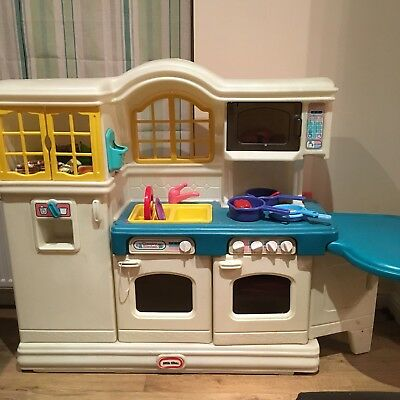 Little Tikes Country Kitchen Pick Up Only BD17