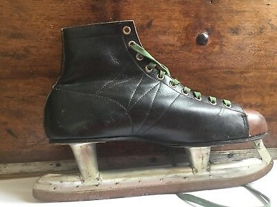Vintage ladies black and brown leather ice skates size 9 Bauers
