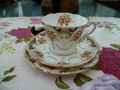 Lovely Vintage / Antique Duchess China Trio Tea Cup Saucer Plate Floral 2708