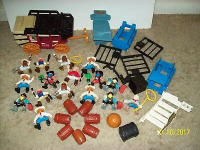 Fisher Price GREAT ADVENTURES Western Town-STAGE COACH 16 Cowboys VAULT Barrels
