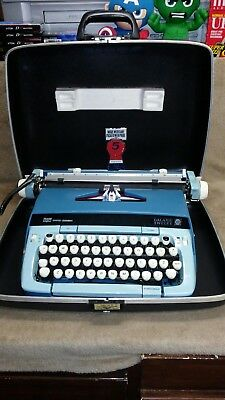 Smith-Corona Galaxie Twelve XII Vintage Typewriter w/ Case Blue Color